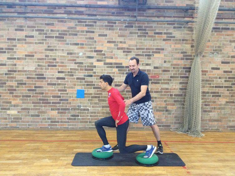 Training mit den Skiadlern - Ausfallschritt