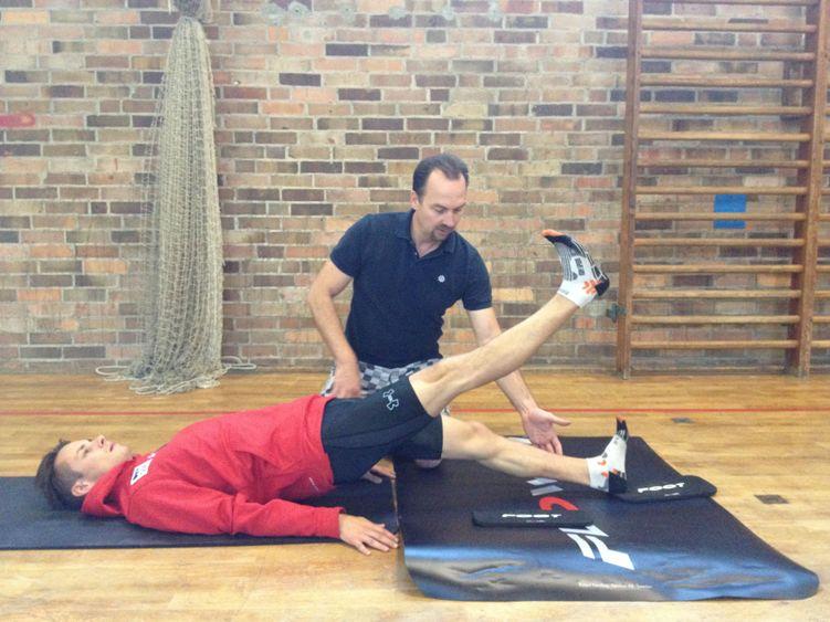 Training mit den Skiadlern - hinterer Oberschenkel auf dem flowin