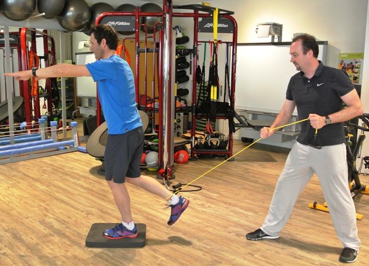Einbein-Kniebeugen mit Aktivierung Hüftbeuger Ausgangsposition